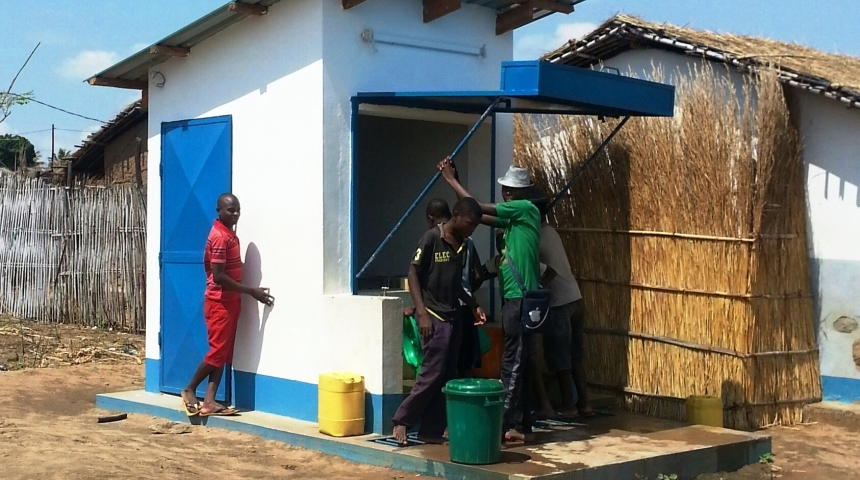 A water kiosk in the Mozambique town of Ribáuè