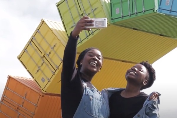 Shamiso Gambe taking selfie with friend